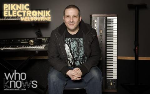 Phil K whonos + piknic elektronic image